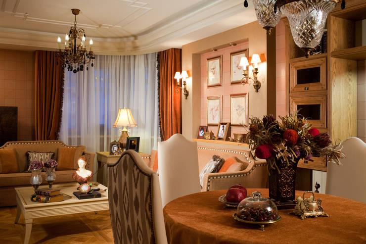 Жилая классика: Гостиная в . Автор – VVDesign