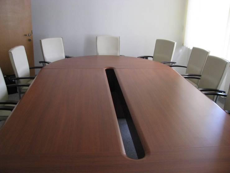 Sala konferencyjna: styl , w kategorii  zaprojektowany przez Akson Meble Biurowe,Klasyczny