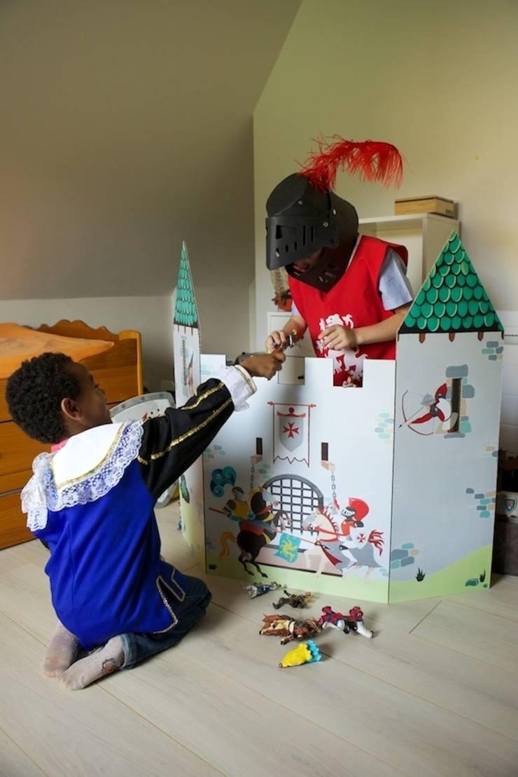 """Paravent """"Constantin"""" (Château fort): Chambre d'enfants de style  par mercilili.fr"""