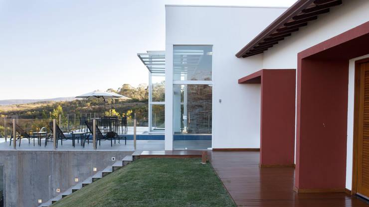 CASA CANYONS DO LAGO : Casas  por Mutabile