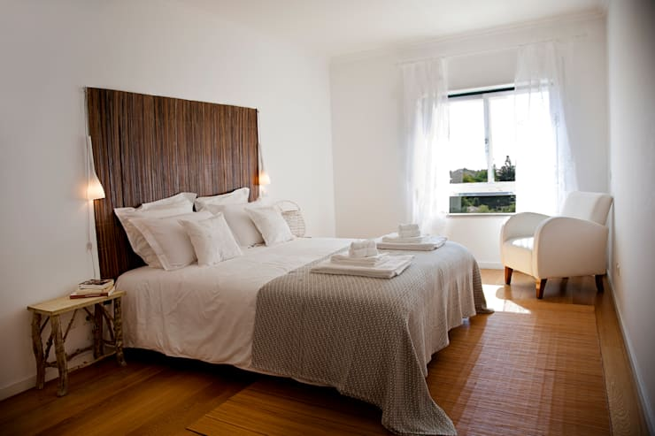 Bedroom: Quartos  por Home Staging Factory