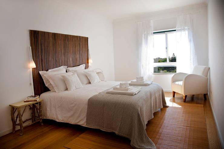 Projekty,  Sypialnia zaprojektowane przez Home Staging Factory