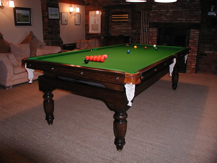 9 ft Chapman Diner:  Dining room by HAMILTON BILLIARDS & GAMES CO LTD