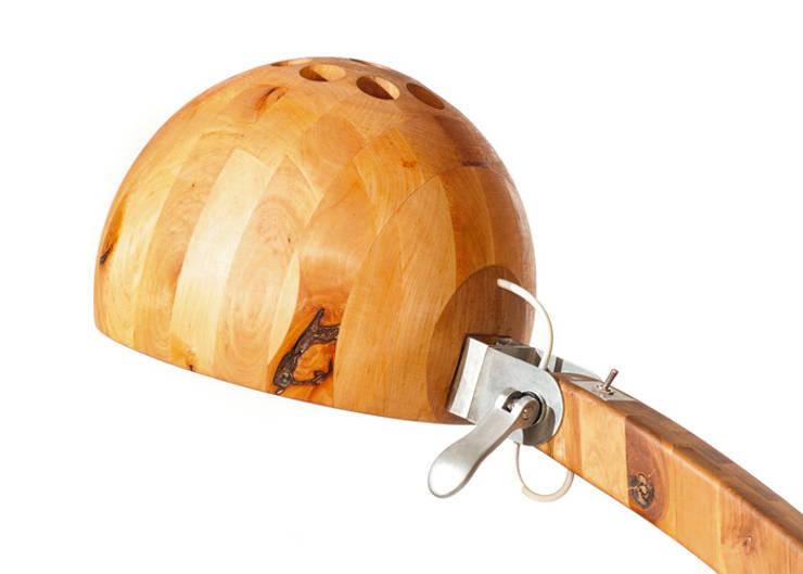 Lampa Woobia: styl , w kategorii Salon zaprojektowany przez Abadoc - Warsztat Projektowo-Wytwórczy