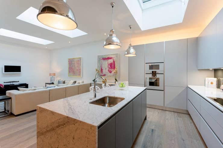 Kitchen by BTL Property LTD