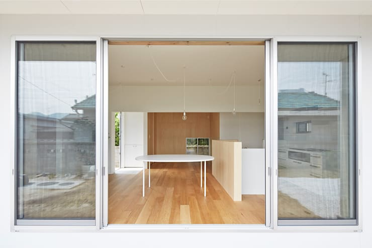 房子 by MASAAKI TAKAHASHI architects, 現代風