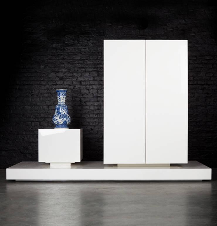 aBt!004:  Woonkamer door iconic indoors