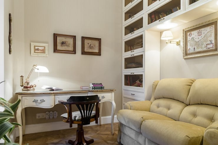 Studio in stile classico di ELENA BELORYBKINA Classico