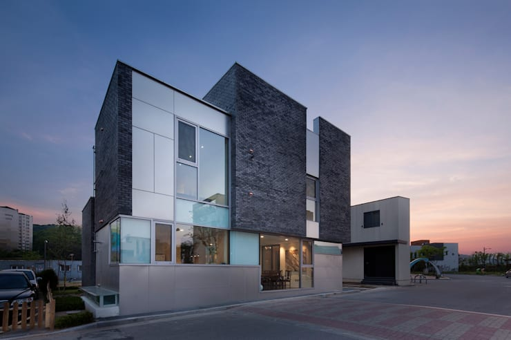 Sam Dae Heon: iSM Architects의  주택