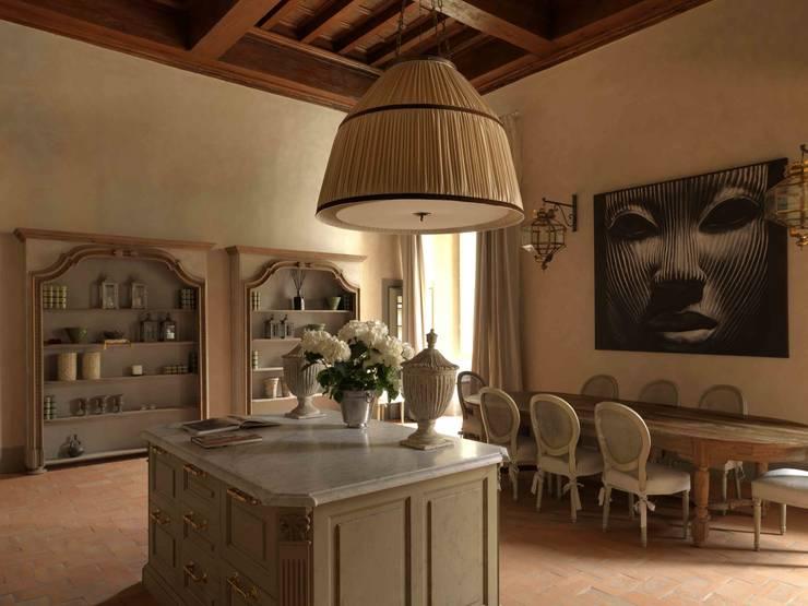 Palazzo nel centro d Pistoia: Sala da pranzo in stile  di Antonio Lionetti Home Design