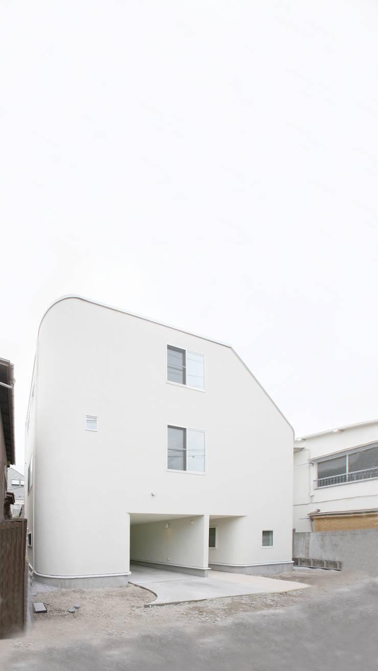 SLIDE HOUSE (House in Nakameguro): LEVEL Architectsが手掛けた家です。