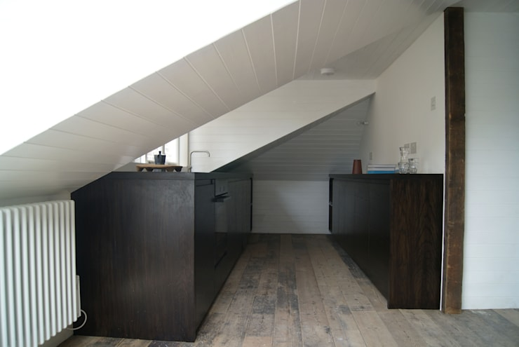Londsdale Square :  Kitchen by Brian O'Reilly Architects
