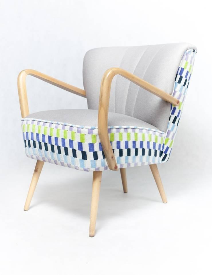 Fogg: styl , w kategorii Salon zaprojektowany przez Deca