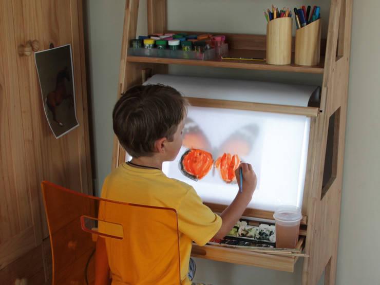 modern Nursery/kid's room by Finoak LTD