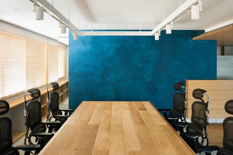 KAPPE OFFICE: AIDAHO Inc.が手掛けたオフィスビルです。,北欧