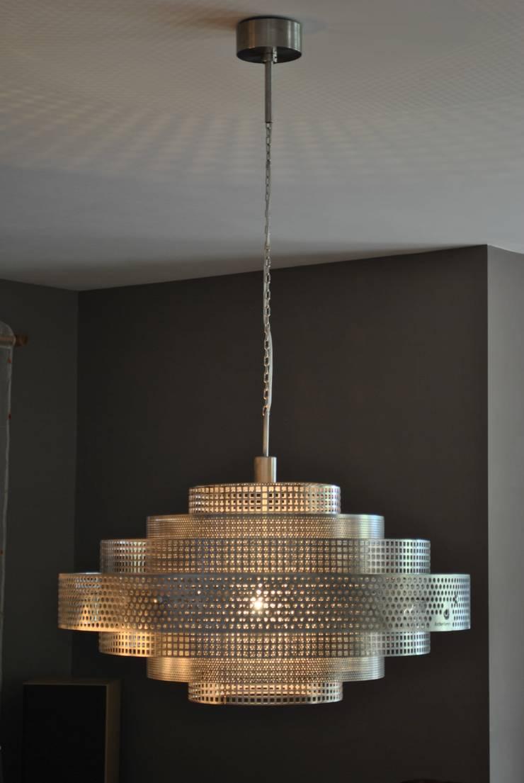 Shanghai: styl , w kategorii Jadalnia zaprojektowany przez Archerlamps - Lighting & Furniture,