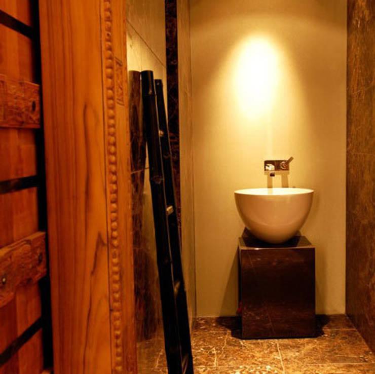 Badkamers:  Badkamer door Designed By David