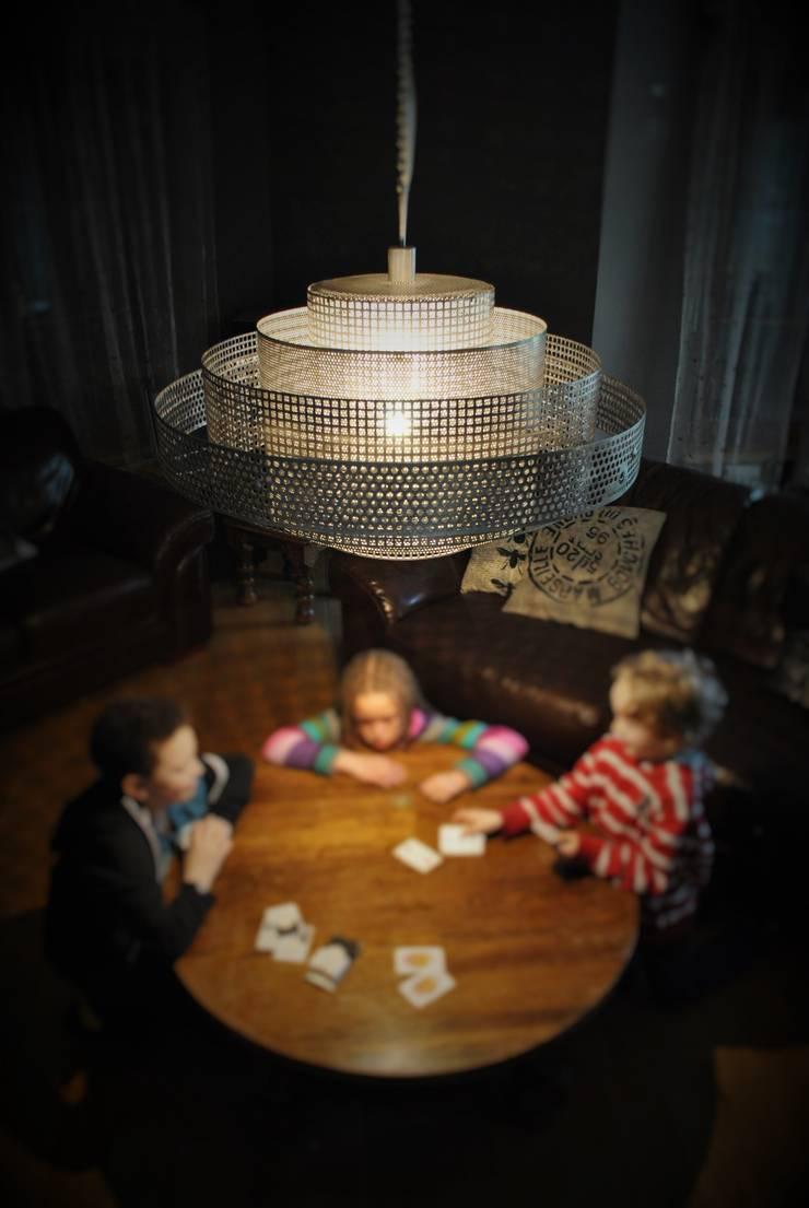Shanghai: styl , w kategorii Salon zaprojektowany przez Archerlamps - Lighting & Furniture,