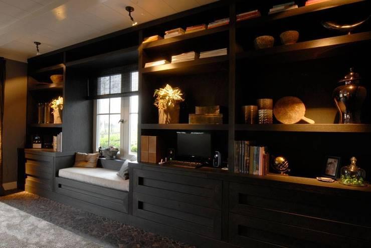 Kasten Klassieke woonkamers van Designed By David Klassiek