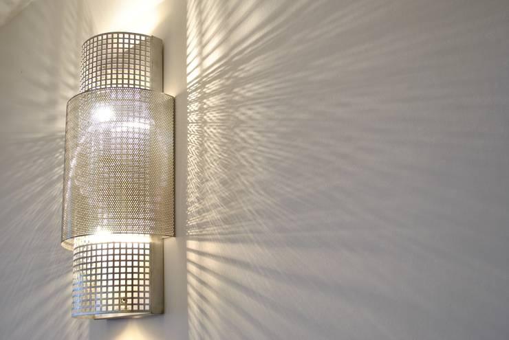 Beijing Wall light: styl , w kategorii Centra handlowe zaprojektowany przez Archerlamps - Lighting & Furniture