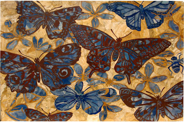 """Mesa rectangular de mármol """"mariposas"""": Salones de estilo  de Conely"""