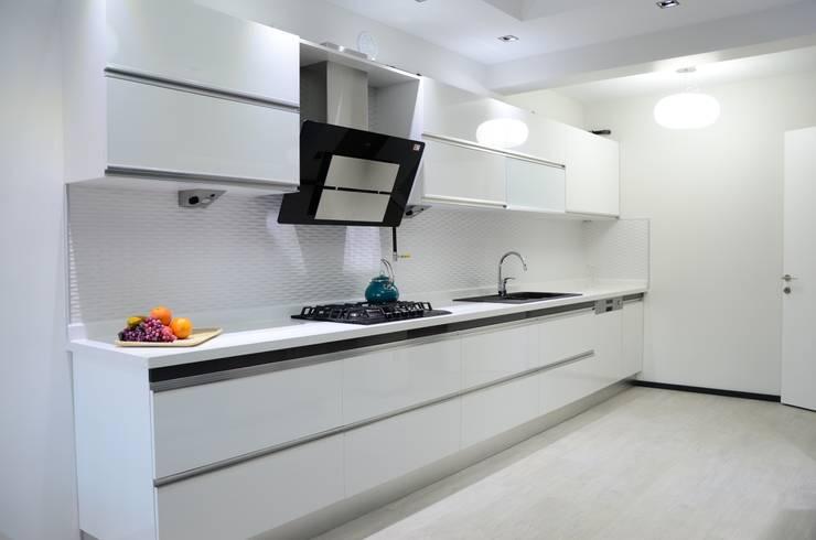 Arte FABBRO – Adin Knutları: modern tarz Mutfak