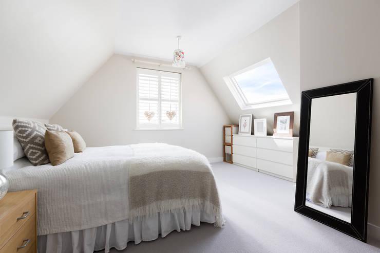 BTL Property LTD: modern tarz Yatak Odası