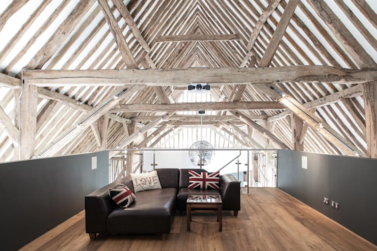 Photography - barn conversion in Sawbridgeworth:  Media room by Adelina Iliev Photography