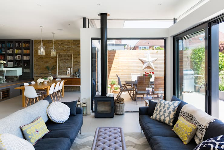 Broadgates Road SW18: modern Living room by BTL Property LTD