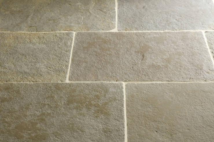 Umbrian Limestone:  Kitchen by Floors of Stone Ltd