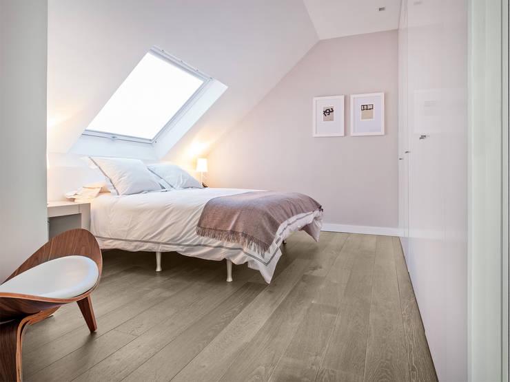 Dormitorios de estilo moderno por Tarimas de Autor