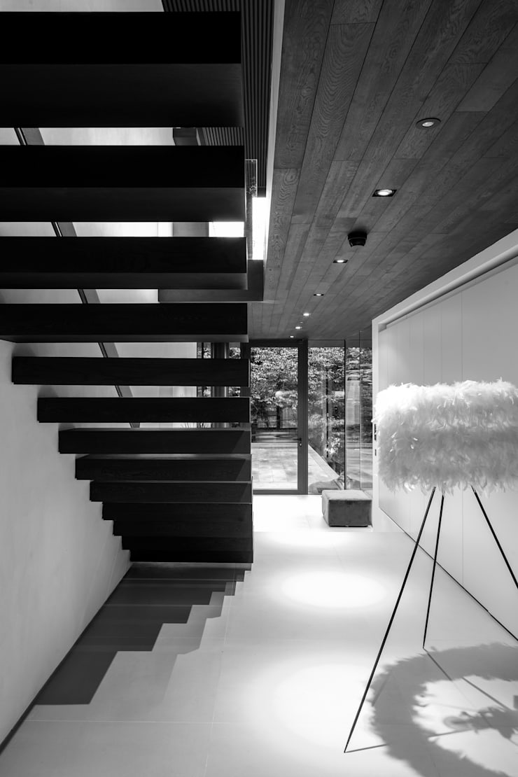 Photography—house in Bromley, private client:  Corridor & hallway by Adelina Iliev Photography