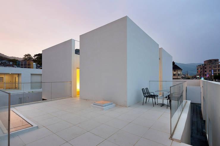 Projekty,  Taras zaprojektowane przez hyunjoonyoo architects