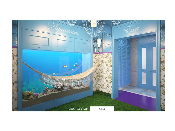 Лавандово-лазурный  прованс с парижским акцентом: Коридор и прихожая в . Автор – FEDOROVICH Interior