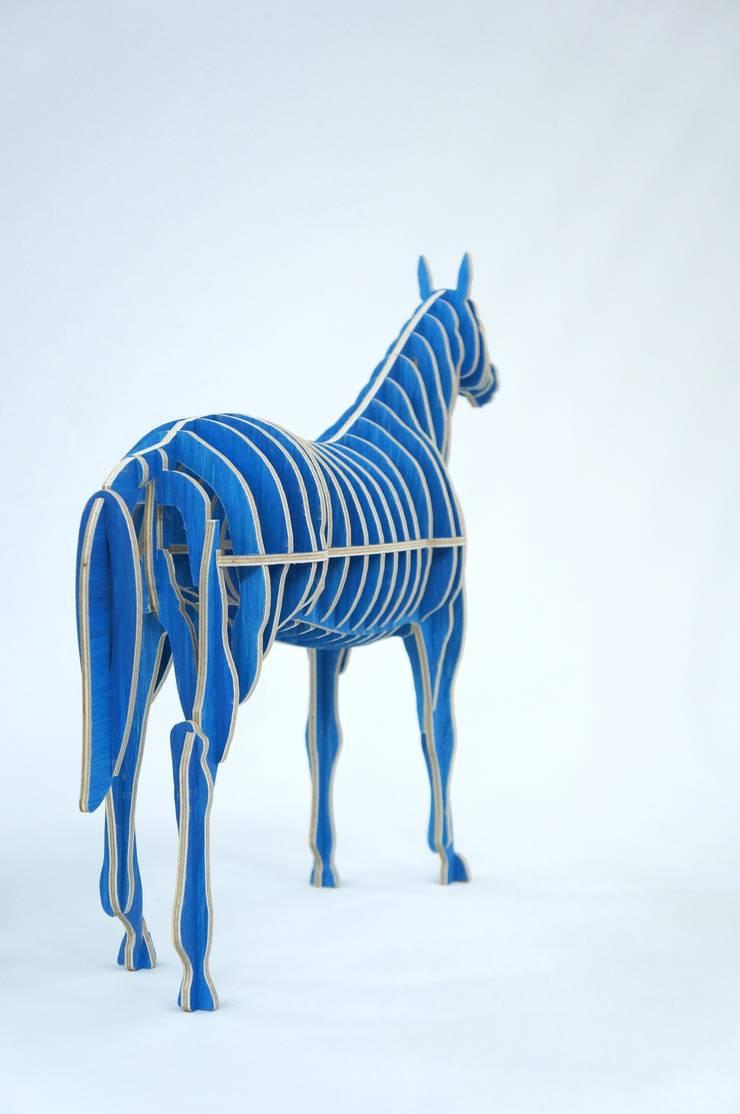 Horse – Design & Fabrication: 디웍스의 현대 ,모던