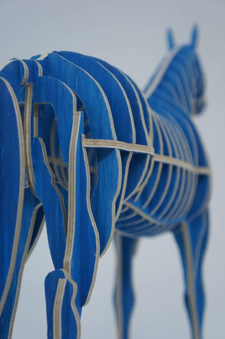 Horse - Design & Fabrication: 디웍스의 현대 ,모던