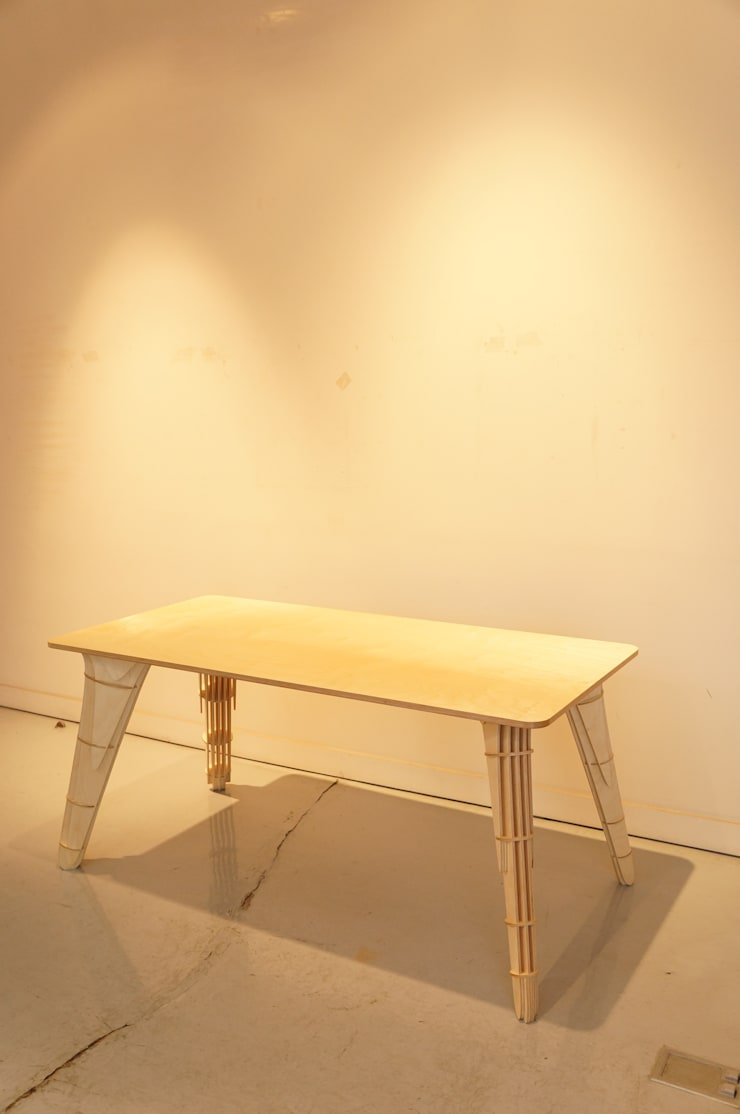 Table -MAK: 디웍스의  다이닝 룸
