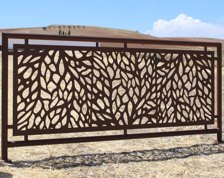 Valla Crea®: Jardín de estilo  de Puerta Bonita