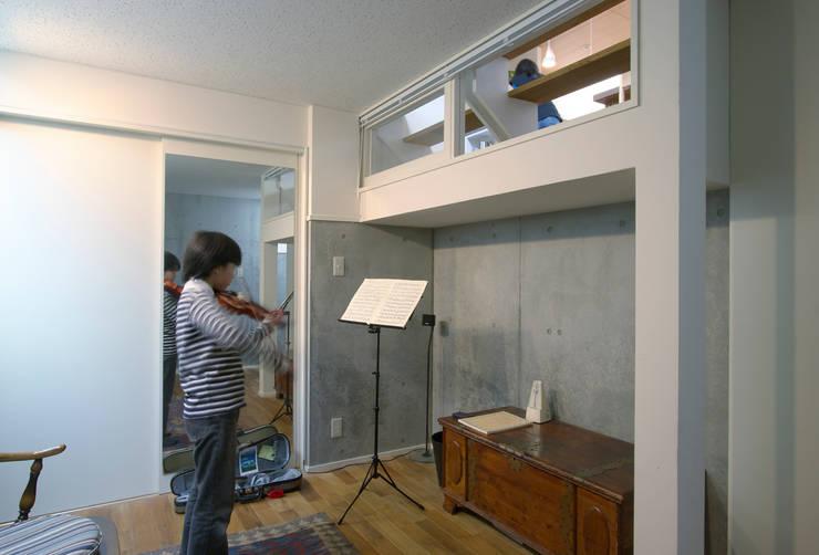 市川の家: 長浜信幸建築設計事務所が手掛けた和室です。,モダン