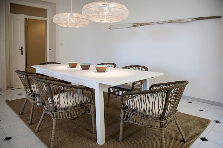 DINING ROOM - AFTER:   por Home Staging Factory