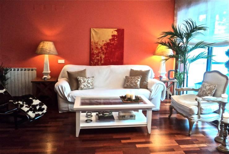 Salón Feng Shui: Salones de estilo  de Feng Shui Cristina Jové