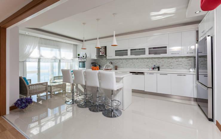 Mimoza Mimarlık – Phaselis Konutları Antalya: modern tarz Mutfak