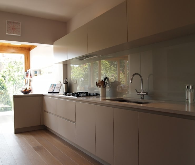 Barnes Kitchen :  Kitchen by Place Design Kitchens and Interiors