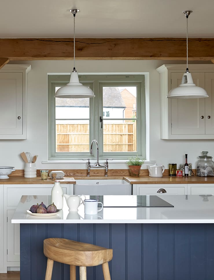 The Herefordshire Cottage Shaker Kitchen by deVOL:  Kitchen by deVOL Kitchens