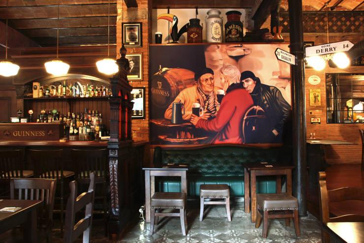 Robin Dunne´s  Tavern: Locales gastronómicos de estilo  de INTERTECH ESPACIO CREATIVO