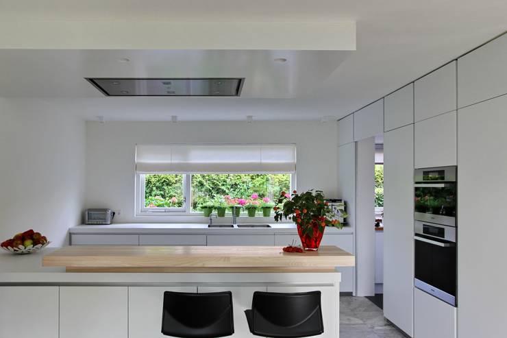 Keuken:  Keuken door Leonardus interieurarchitect
