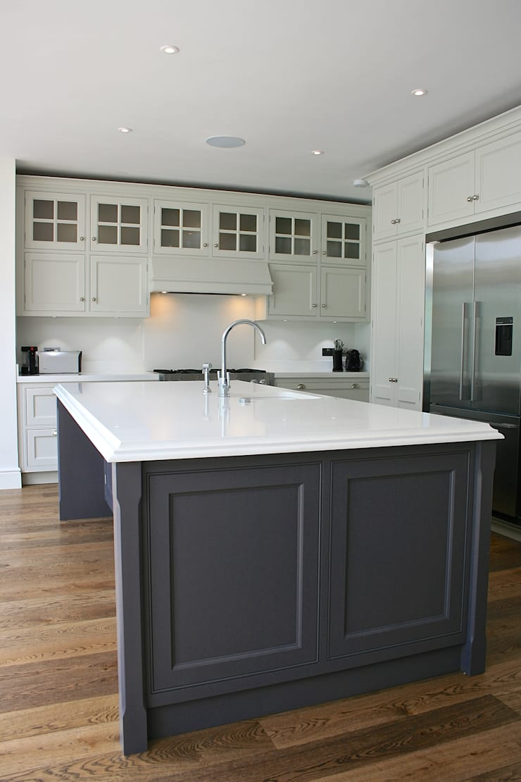 Traditional Kitchen London :  Kitchen by Place Design Kitchens and Interiors
