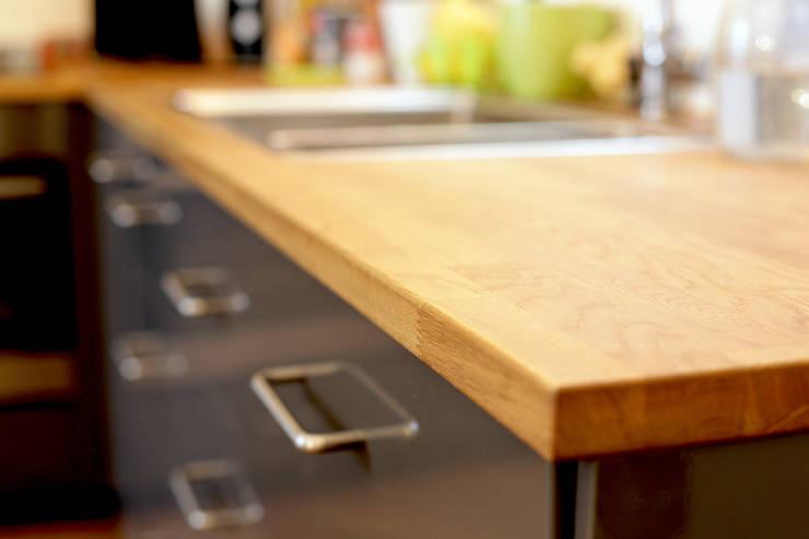 Kitchen by NELSON Architecture Intérieure & Design