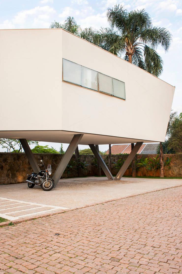 Casa Offset: Casas  por SAA_SHIEH ARQUITETOS ASSOCIADOS