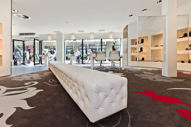 Commercial Spaces by Leonardus interieurarchitect, Modern